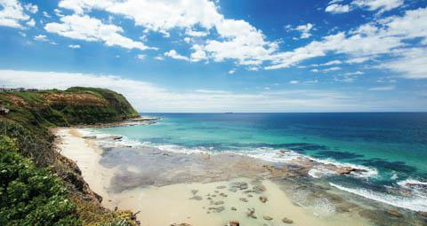 Merewether Beach, Newcastle, NSW (Tourism Australia0