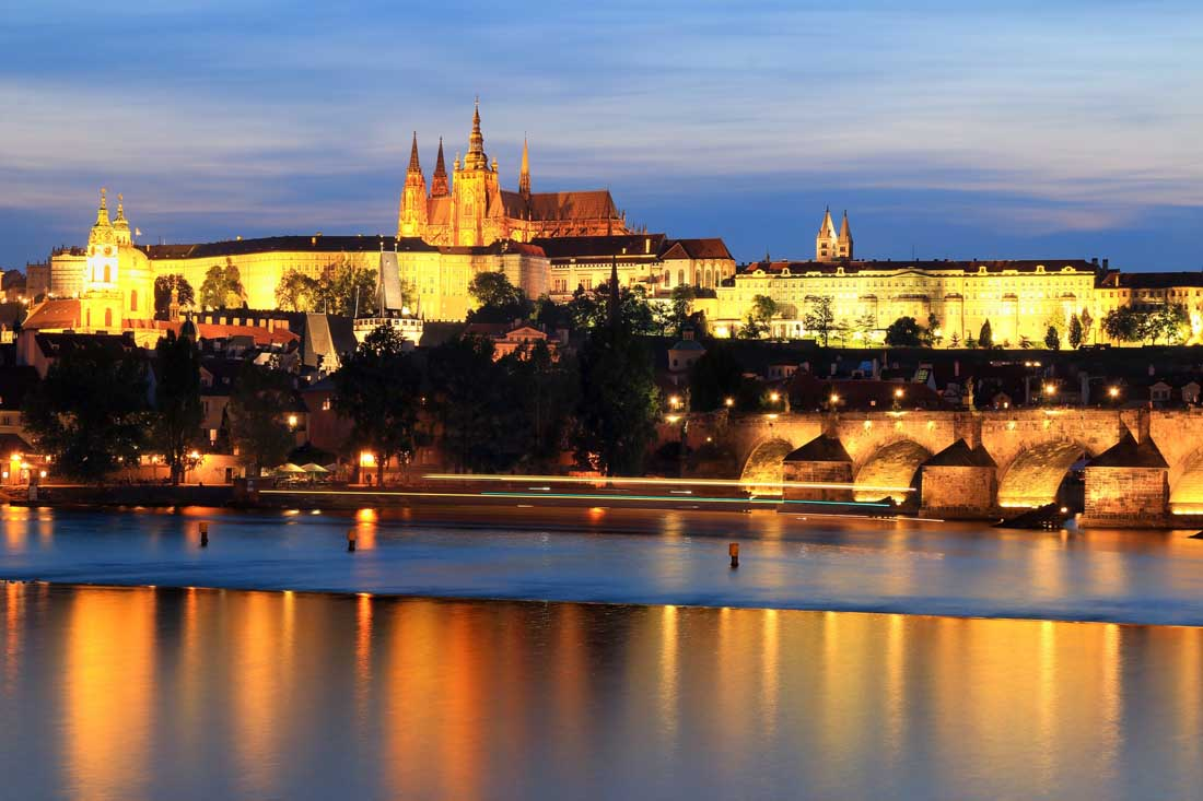 Prague Travel Costs & Prices - The Charles Bridge Prague Castle & Old Town BudgetYourTrip.com