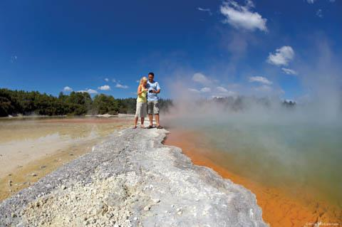 Champagne Pool, Wai-O-Tapu Thermal area, Rotorua, New Zealand (by Chris McLennan)