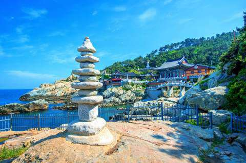 Haedong Yonggungsa Temple and the Haeundae Sea in Busan, South Korea.