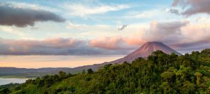 Best Hostels in Arenal and La Fortuna for Families on a Budget