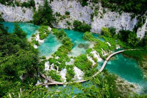 Best Hostels for Solo Travellers, Couples, & Groups in Plitvice Lakes National Park