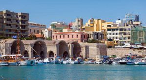 Best Hostels in Crete for Solo Travellers, Couples, and Groups