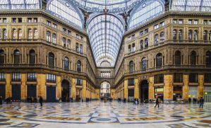 How to Explore Naples with a City Walking Tour