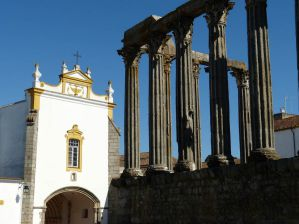 Best Hostels in Evora, Portugal for Backpackers, Solo Travellers, and Female Travellers