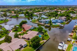 The Best Palm Coast Vacation Rentals - Canal Homes on Airbnb & VRBO