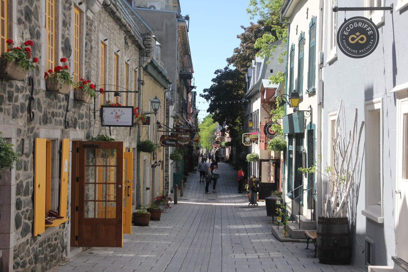 Quebec Travel Cost - Average Price of a Vacation to Quebec ...