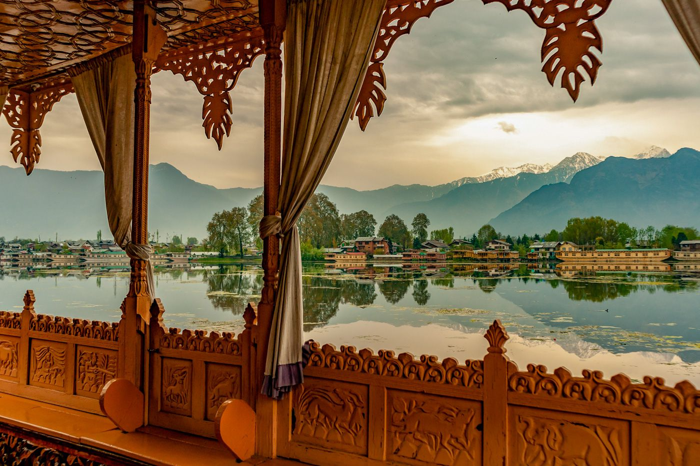 Srinagar Travel Cost - Average Price of a Vacation to Srinagar: Food & Meal  Budget, Daily & Weekly Expenses   BudgetYourTrip.com