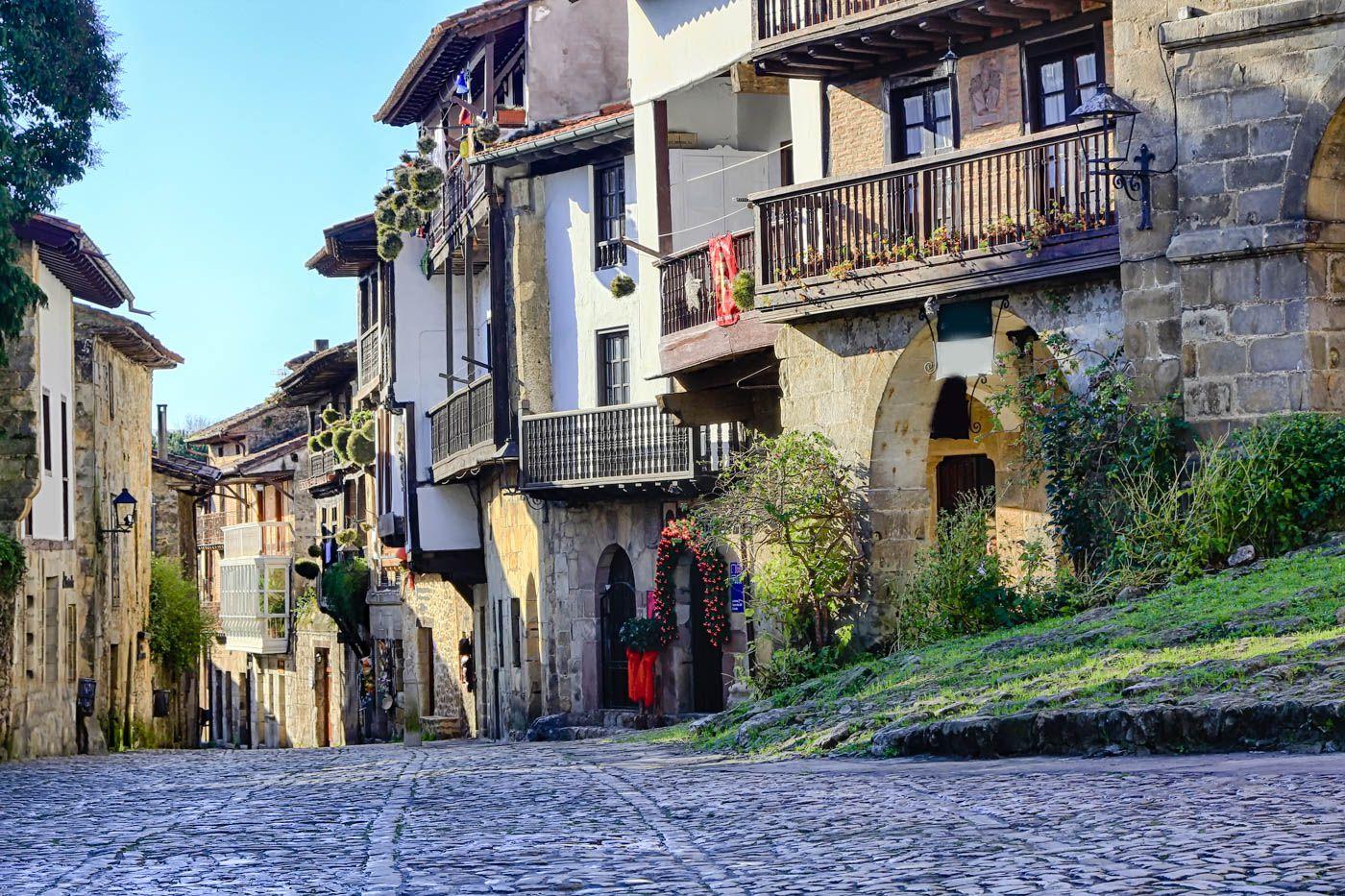 Spain Travel Costs & Prices - Tapas, Fine Wine & Paella