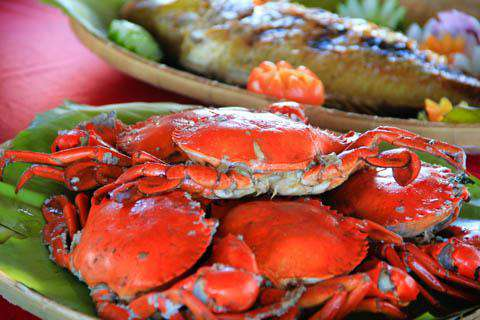 Dining on crab in Palawan, Philippines